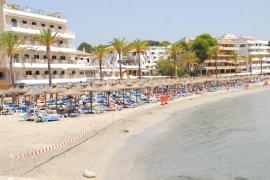 El Govern contrata 11 apartamentos para aislar a turistas positivos en COVID