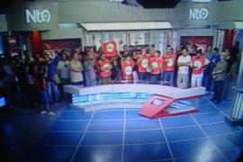 Trabajadores de Canal 9 ocupan el plató de informativos y protestan en directo