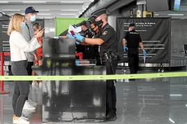 La descoordinación de TUI deja en tierra a turistas del plan piloto