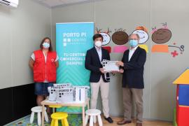 Porto Pi dona a Cruz Roja Juventud tablets y becas para el campamento de verano