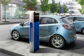 El Gobierno da ayuda para comprar coches eléctricos.