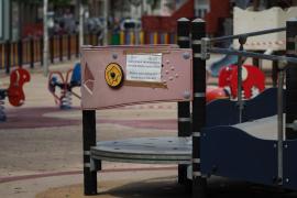 Una imagen del parque infantil ubicado en el Parc de la Pau, precintado.