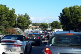 Monumental atasco en el Paseo Marítimo de Palma