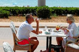 Baleares, a un paso de la recesión por el coronavirus