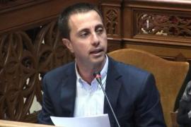 El PP exige el cese inmediato de Mas: «Quiere acabar junio para cobrar la paga doble»