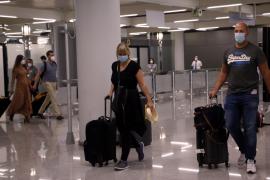 Baleares mantendrá los controles sanitarios en los aeropuertos hasta el 30 de junio
