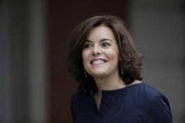 Soraya Sáenz de Santamaría reaparece para pedir «moderación»