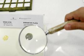 La odisea de las monedas almorávides llega a su final en el Museu de Mallorca