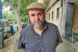 Manel Ismael Serrano trabaja en una serie antológica al estilo 'Black Mirror'