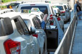 Los taxistas y las oficinas de alquiler de coches duplicaron su actividad.