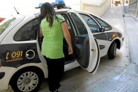 Detenidos tres jóvenes en Palma por obligar a una menor a dar masajes con 'final feliz'