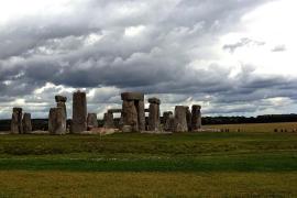 Un misterioso anillo excavado rodea las piedras de Stonehenge