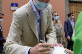 «Viva el rey... y el Betis», la singular firma de Felipe VI en Las Palmas