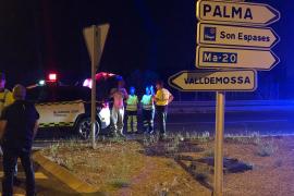 Herido leve un conductor ebrio tras atravesar una rotonda en la carretera de Valldemossa