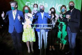 Vox avisa de que llega a Galicia «para quedarse» entre gritos de «fascistas»