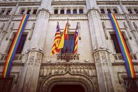 El Consell de Mallorca reivindica la visibilidad y el talante del Día del Orgullo