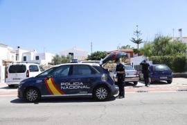 El padre herido por el presunto parricida de Menorca sale del hospital