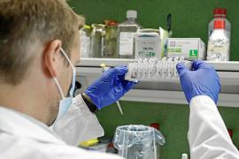 Profesionales y tecnología de la UIB para hacer pruebas de coronavirus