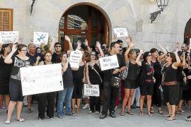 El personal municipal protesta contra los recortes