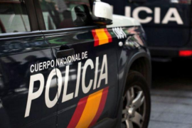 La Policía Nacional detiene a una mujer y a un hombre por un delito de malos tratos