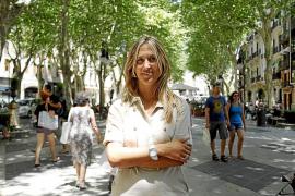 «Me siento muy orgullosa de dar  la cara por el Gobierno de Rajoy»