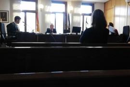 Piden dos años y medio de cárcel por tener sexo con un menor en un bar de Palma