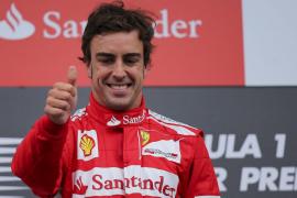 Alonso está «contento, pero quedan diez carreras»