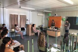 Formentera forma a los monitores de la Escuela de Verano para detectar posibles secuelas en los niños a raíz de la Covid-19