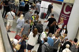 El aeropuerto de Palma contabilizará entre julio y agosto más de cinco millones de pasajeros