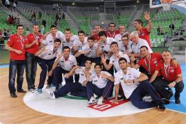 Un triple de Abrines le da el bronce a España