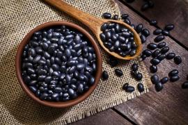 Soja negra: pequeñas bolas de sabor