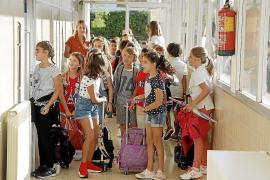 IB Familia lamenta la discriminación a la escuela concertada