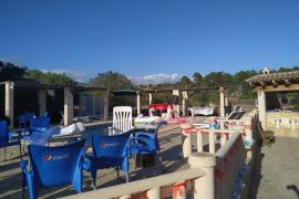 Alcohol y drogas en una 'pool party' desbaratada por la Policía en Calvià