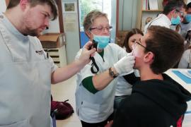 La mala salud de las encías, un problema de los escolares de Baleares según un estudio de la Escuela Universitaria ADEMA-UIB