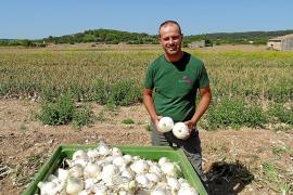 Joan Vidal: «Animo a la gente a que consuma cebollas mallorquinas»