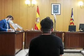 Un año de prisión por rajar la espalda con una botella rota a un turista en Magaluf
