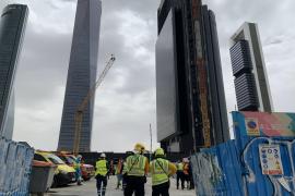 Desalojado uno de los nuevos rascacielos de Madrid por un escape de gas