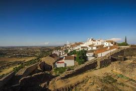 Un brote de COVID-19 en un pueblo de Portugal cercano a Extremadura deja 14 fallecidos