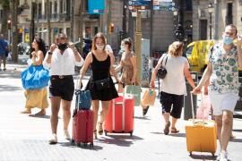 Cataluña multará con 100 euros a quien no lleve mascarilla al salir de casa