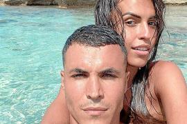Ostras y ruta por las calas: así pasan Kiko Jiménez y Sofía Suescun sus días en Ibiza