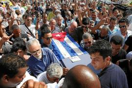 La detención de disidentes empaña el entierro de Oswaldo Payá en La Habana