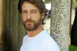 Félix Gómez, actor: «En 'La caza' me han recibido con las puertas abiertas desde el primer día»