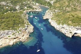 Un hombre resulta herido en Menorca por la hélice de una embarcación