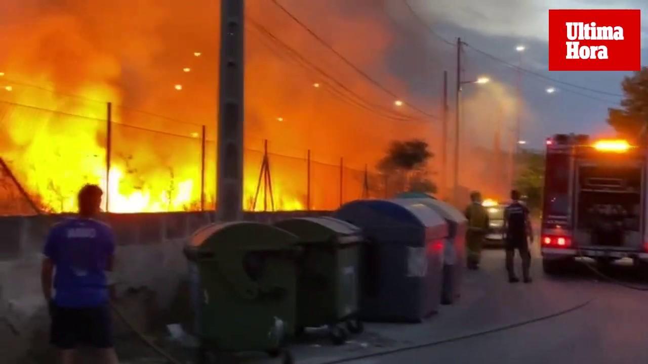 Incendio en un solar en Palma