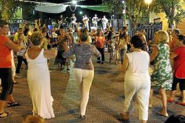Cort traslada a los líderes vecinales la responsabilidad de las fiestas de verano