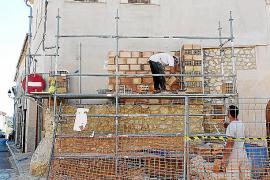 El Consistorio restituirá las Tres Creus siete años después de su retirada