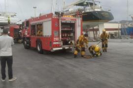 Incendio en la sala de máquinas de un barco en dique seco en el Puerto de Palma