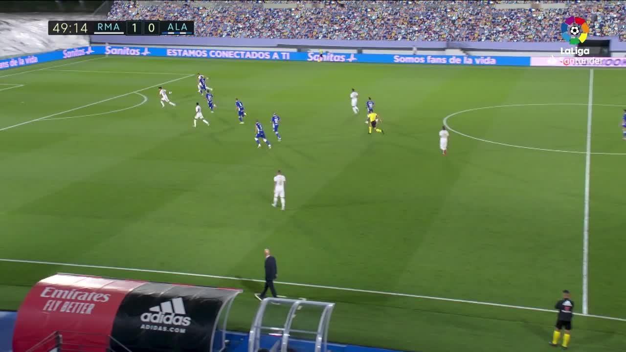 El Madrid no falla ante el Alavés