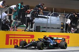 Hamilton lidera el doblete de Mercedes en el Gran Premio de Estiria