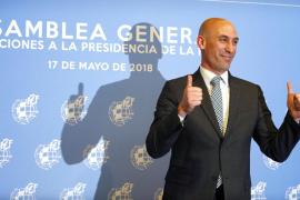 La federación de peñas del Atlético Baleares carga contra la RFEF